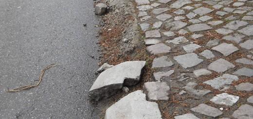 trotuar deteriorat